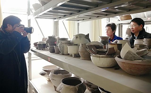 宋丽萍一行考察国保单位郑州西山遗址和研究基地
